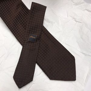 Brioni Silk Tie in Dark Brown with Pattern